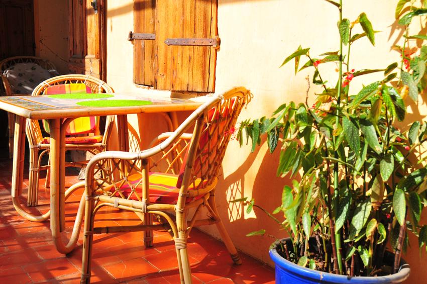 La table du petit déjeuner, quand il fait beau!
